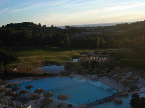 Dolce Fregate Provence: Vue sur le green
