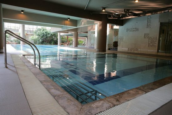 The Tepp Serviced Apartment : Swimming pool