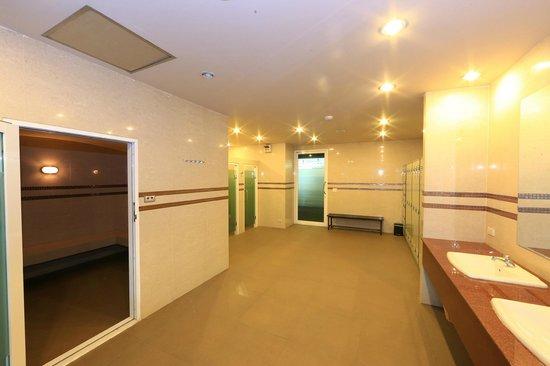 The Tepp Serviced Apartment: Steam bath