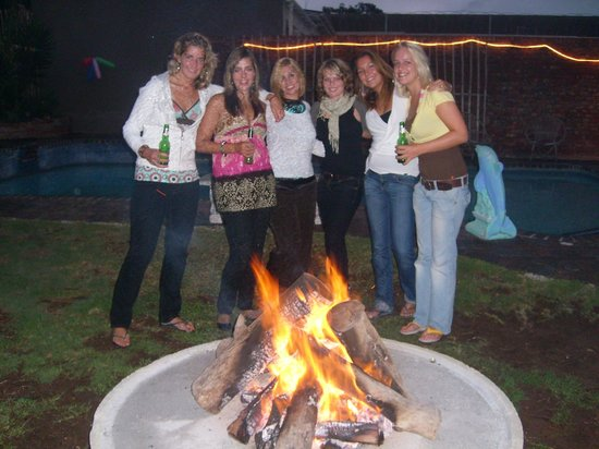 The Hippo Backpackers : Meet new people at the braai