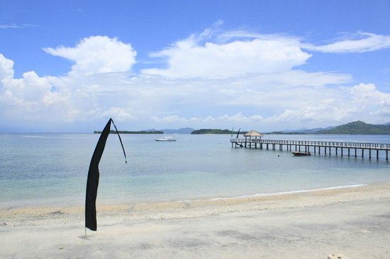 Cocotinos Sekotong, Boutique Beach Resort & Spa:                   pier