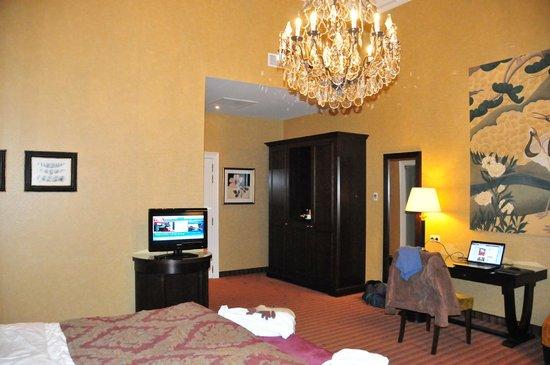 Grand Hotel Casselbergh Bruges:                   chambre                 