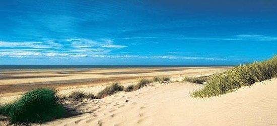 Plage de Calais :                   calais-beach-credit-ADRT62-EDESAUNOIS-small-1