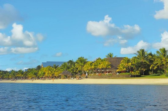 Victoria Beachcomber Resort & Spa: Beach - Le Victoria