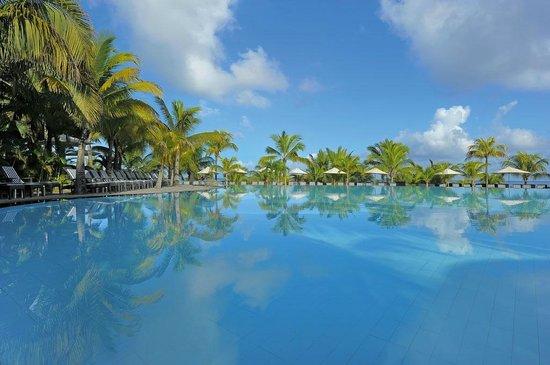 Victoria Beachcomber Resort & Spa: Pool - Le Victoria