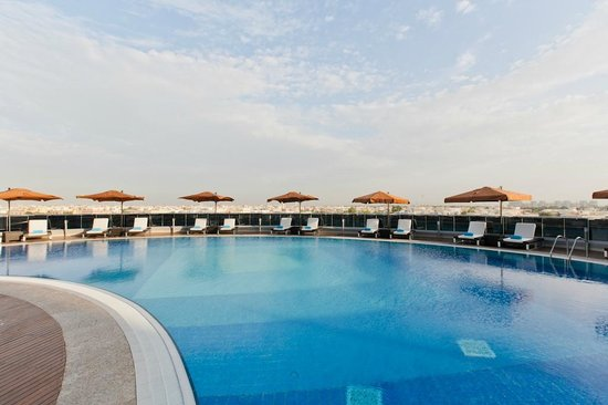 Novotel Abu Dhabi Gate: Swimming Pool