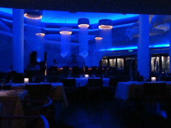 Shangri-La's Rasa Ria Resort & Spa: Ocean restaurant