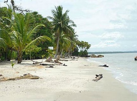 Livingston, Guatemala:                   Playa Blanca
