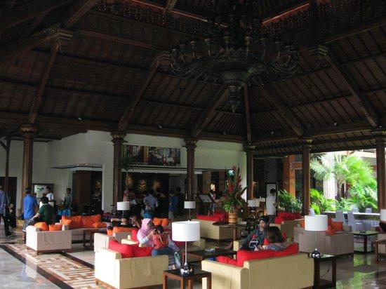 Sanur Paradise Plaza Hotel: Lobby