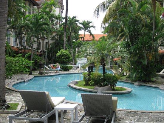 سانور باراديز بلازا هوتل: Pool