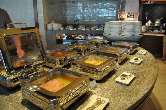 Sheraton Hua Hin Resort & Spa:                   Zeer verzorgd en uitgebreid ontbijtbuffet