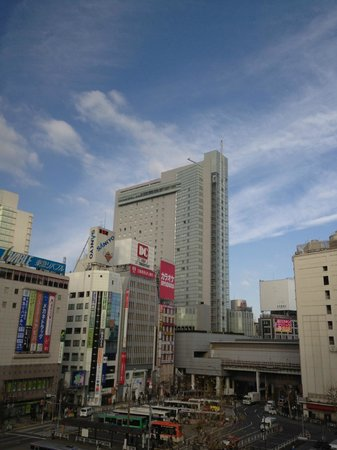 Shibuya Excel Hotel Tokyu:                   The view of the Hotel from the highway. The Bid one in the background