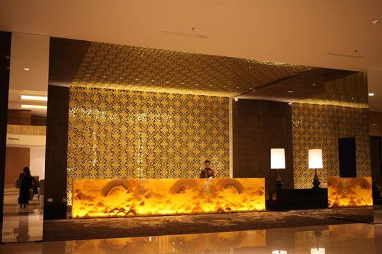 Hotel Tentrem Yogyakarta :                                     Reception