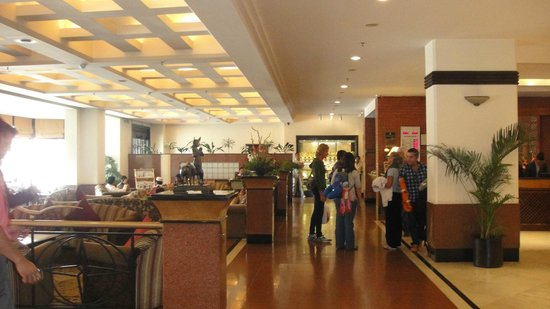 Radisson Hotel Kathmandu: Lobby & reception Old (main) Wing