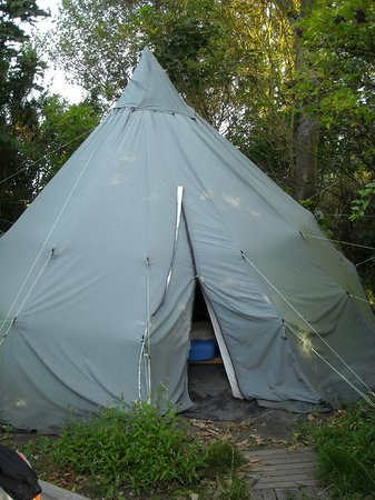 Groede, The Netherlands:                   Tipi
