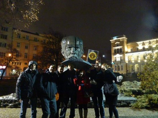 The New Sofia Pub Crawl :                   Gathering at the meeting point: the big head (Kristal Park)