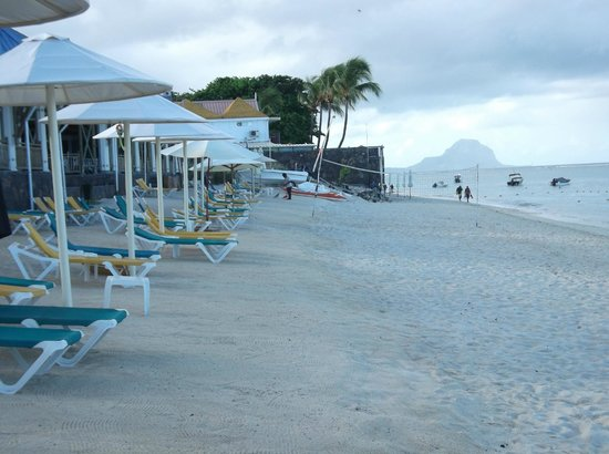 Pearle Beach Resort & Spa:                                     The beach leading to dive centre