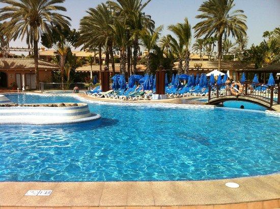 Hotel Dunas Suites and Villas Resort:                   Vista a la piscina