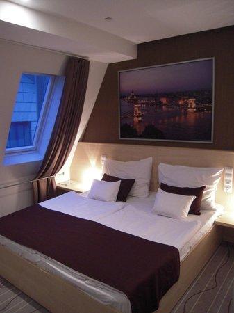 Promenade City Hotel:                   Stanza stile moderno