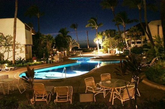 Maui Beach Vacation Club:                   プール