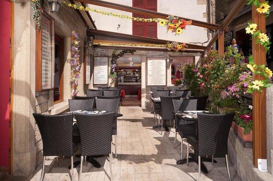 Ristorante Bolognese :                                     esterno