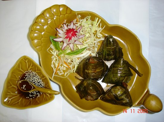 The Thai Orchid: Chicken in pandan leaves.