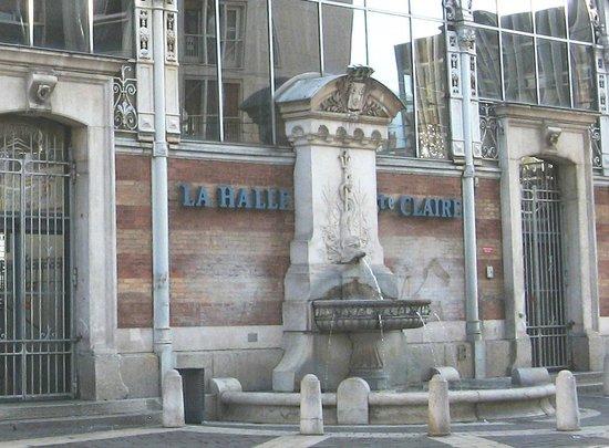 Halle Sainte-Claire :                   la fontaine