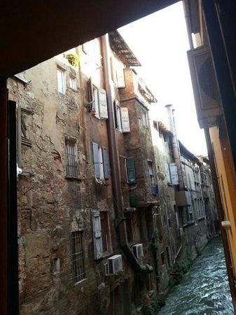 Il Canale Hotel:                   dalla finestra...