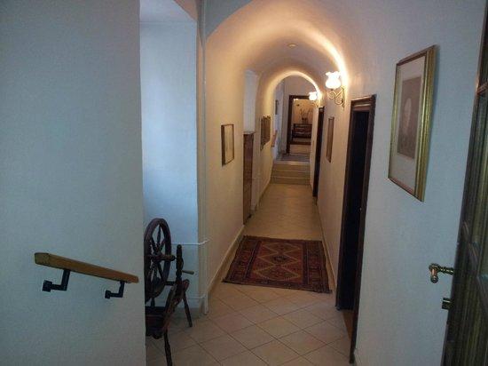 Hotel Casa Marcello:                   Hallway