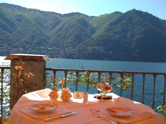 Villa d'Este: Breakfast Table--Good Morning!