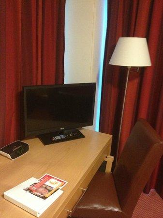 Holiday Inn Birmingham North - Cannock:                   Plasma T.V And Free Wired Internet
