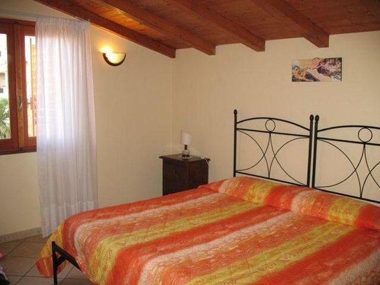 Casalotto Inn :                   Camera matrimoniale