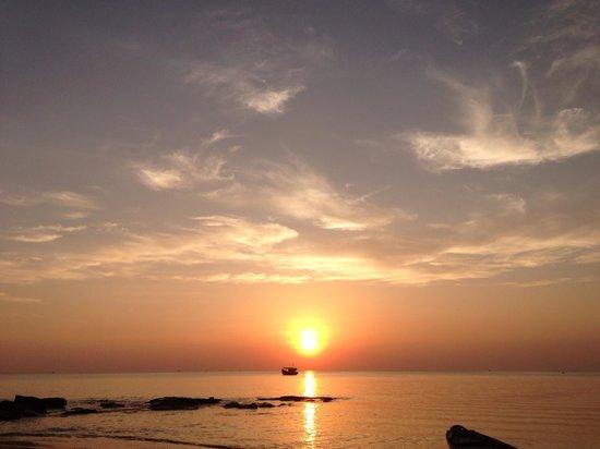 Mango Bay Resort:                   Couché de soleil à phu quoc