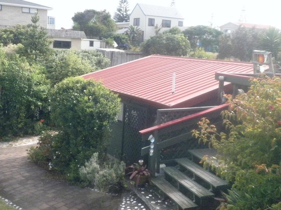 Moanarua Beach Cottage B&B:                   View from the deck