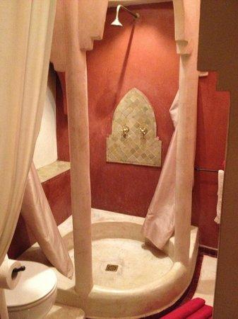 Riad Boussa:                   バスルーム