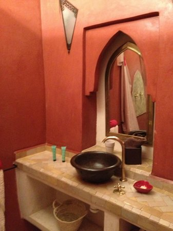 Riad Boussa:                   洗面所