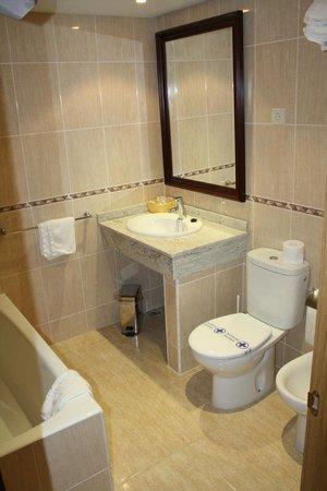 Hotel Mar de Aragon: Baño