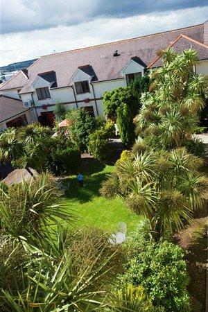 Midleton Park Hotel: Garden