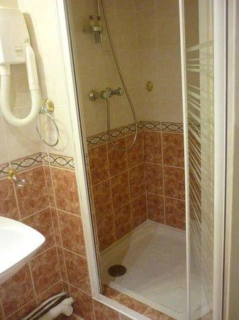 Hotel Audran: doccia spaziosa e calda