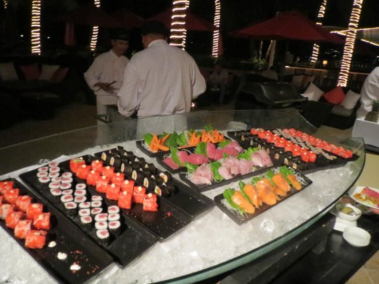 Amari Phuket:                   Seafood buffet - highlight of our stay
