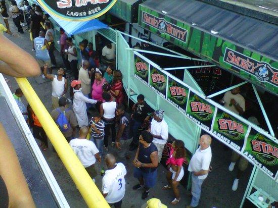 Smokey and Bunty's Sports Bar: Carnival