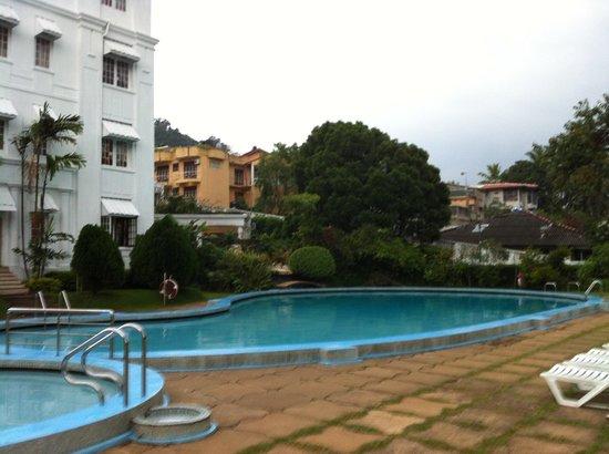 Hotel Suisse:                   Pool