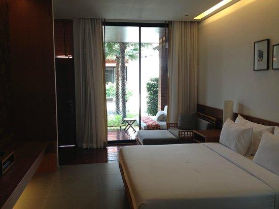 Tri-Shawa Resort:                   室内。