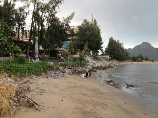 Tri-Shawa Resort:                   自称プライベートビーチ…