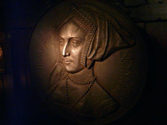 Jane Seymour carving
