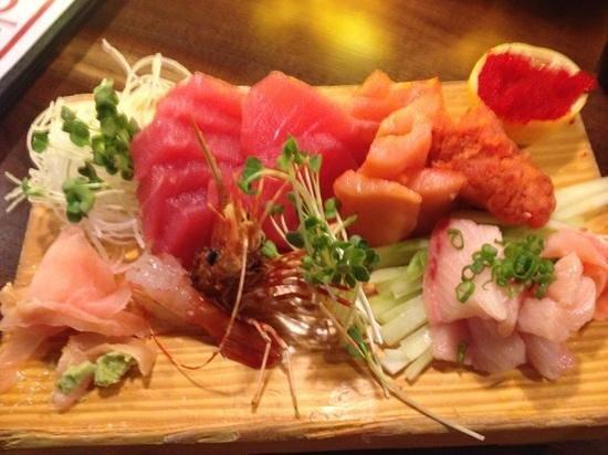 Bamboo Sushi Bar & Hibachi Express: Sashimi Dinner!  2die4!!! thnx Mike!!