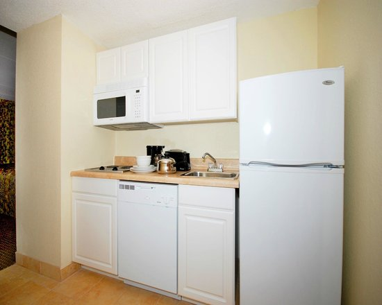 Suburban Extended Stay: Kitchenette