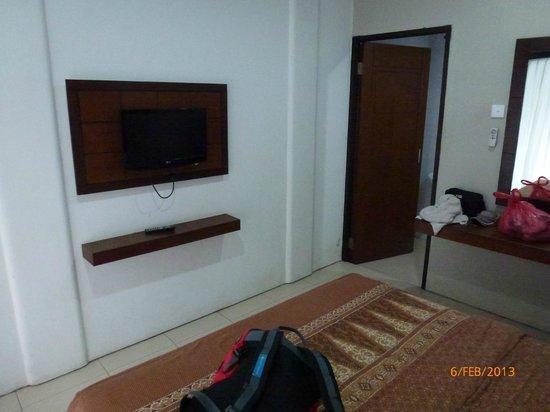 The Kubu Hotel:                   From front door, looking to bathroom.
