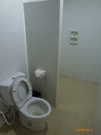 The Kubu Hotel:                   Bathroom
