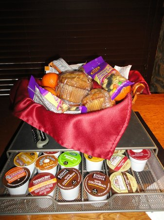 Bear Mountain Lodge:                   Snack basket and K-cups